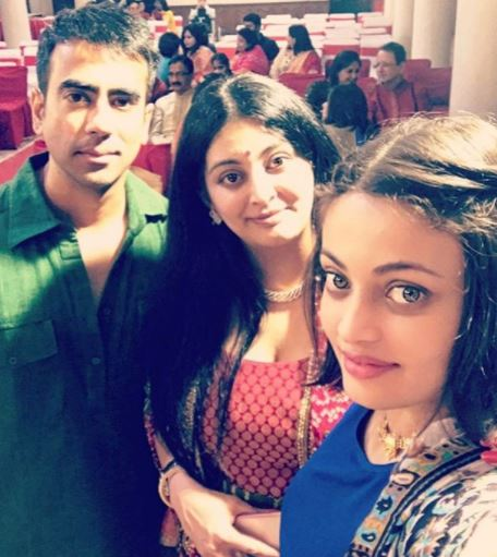 Sneha Ullal with sister